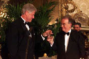 President Clinton toasts Portuguese President Sampaio at the State Dinner.