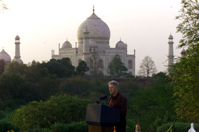 President Clinton makes remarks in the shadow of the Taj Mahal at the environmental event at Taj Khema.  Agra, India.